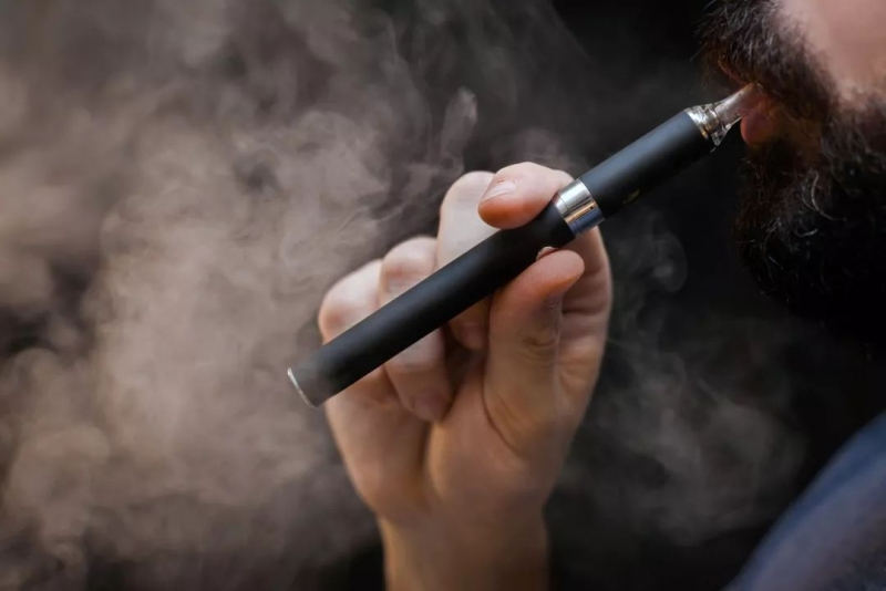 争议中吸金扩张 电子烟行业洗牌加速