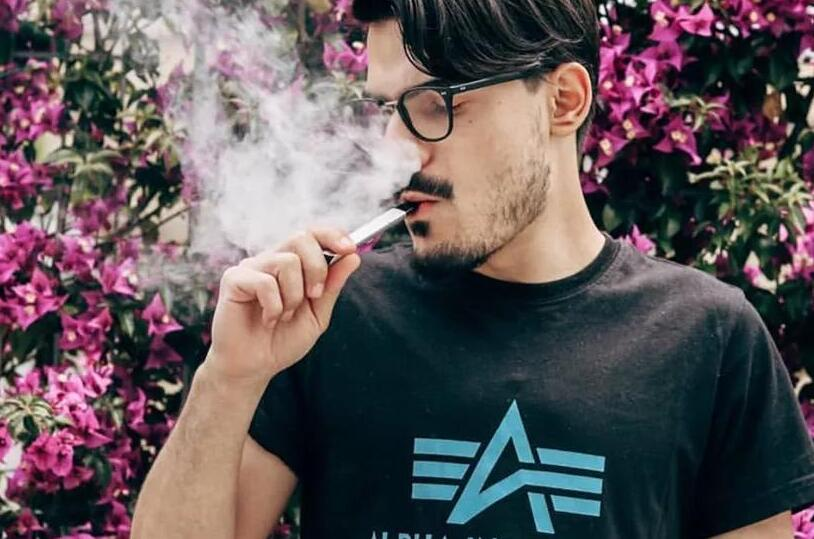 抽电子烟一个月要花费多少钱?